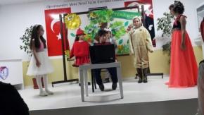 İsmet İnönü İlkokulu#039;ndan Tiyatro Gösterisi
