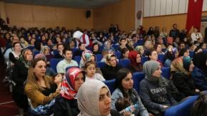 Oyuncu Anne Şermin Yaşar'a Bafra'da Büyük İlgi