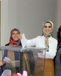 AK Parti Kadın Kolları Başkanı Nurten Öztürk