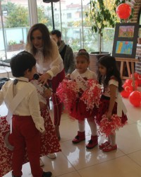 Özel Bafra AK Okulları; Cumhuriyet Bayramını Kutladı