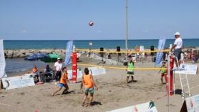 Yakakent'te Düzenlenen Plaj Voleybolu Turnuvası İlgi Gördü
