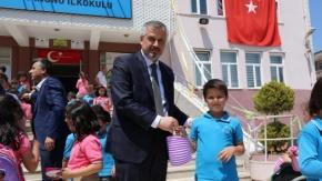 Başkan Kılıç; Öğrencilere Sele Sepet Top Kandil Dağıttı
