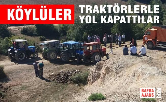 Köylülerden Traktörlerle Yol Kapatma Eylemi