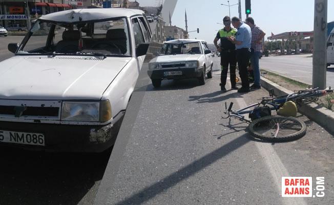 Otomobil Bisiklete Çarptı; 1 Kişi Yaralı
