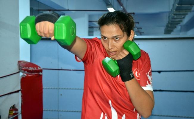 Avrupa şampiyonu boksör Elif'in hayali dünya şampiyonluğu