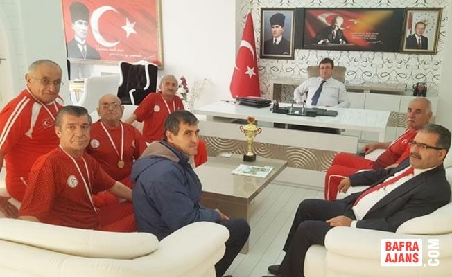 Türkiye Şampiyonu Bafra Huzurevi Bocce Takımı Kaymakamlık Ziyaretinde