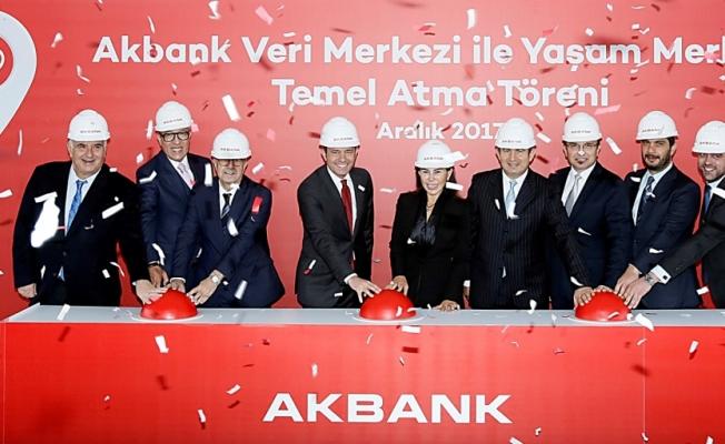 Akbank'tan bankacılığın geleceği̇ne 250 mi̇lyon dolarlık yatırım