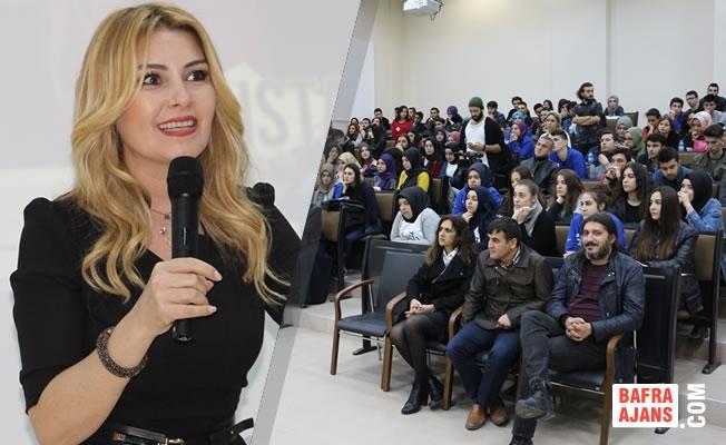 """""""Pembe Panjurlu Ev Hayali Olan Varsa Unutsun"""""""