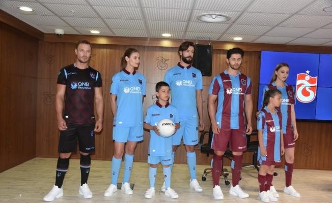 Trabzonspor'un yeni sezon formaları tanıtıldı