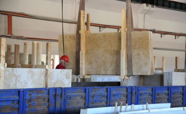 Bayburt'tan doğal taş ihracatına başlandı