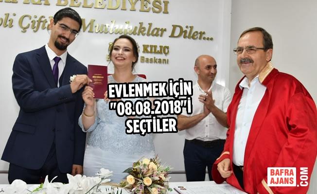 """Evlenmek İçin """"08.08.2018""""İ Seçtiler"""