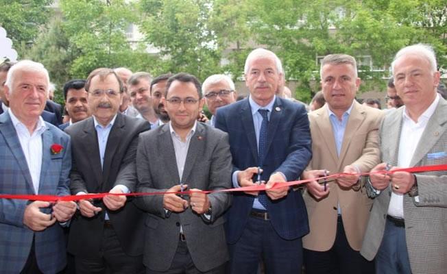 """""""Kıcıroğlu Et Market ve Restoran' Açıldı"""