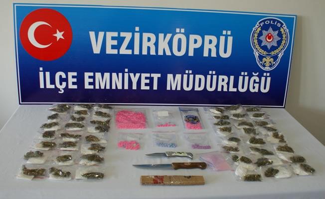 Vezirköprü'de Uyuşturucu Operasyonu; 3 Kişi Gözaltına Alındı