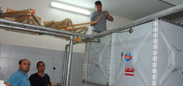 Bafra'da Okulların Su Depoları Klorlanıyor
