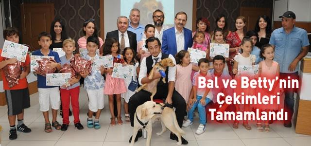 Başkan Şahin; Çocuk Oyuncularıyla Bir Arada