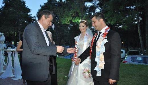 Dalgıç, Çebi Ailesinin Düğününe Katıldı