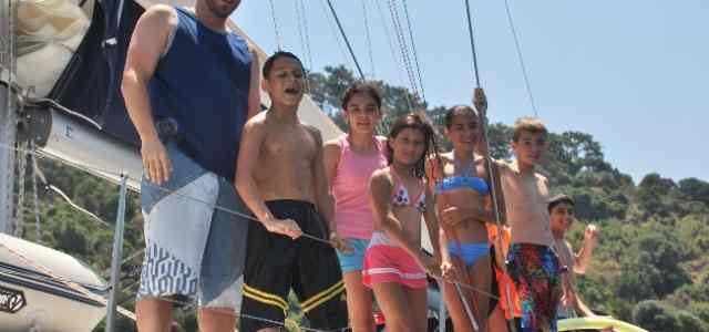 Dünya Çocuklarına Tekne Tatili