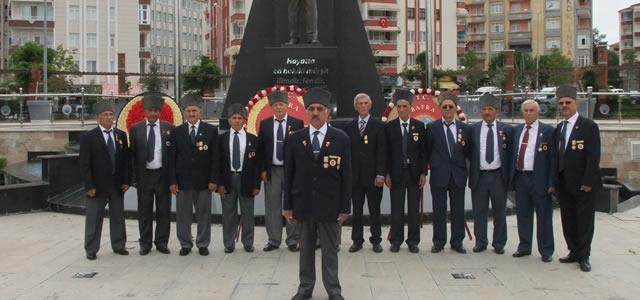 Muharip Gaziler Derneğ; Zafer Bayramı'nı Kutladı