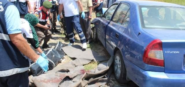 Otomobil Kardeşlere Çarptı: 1 Ölü, 4 Yaralı