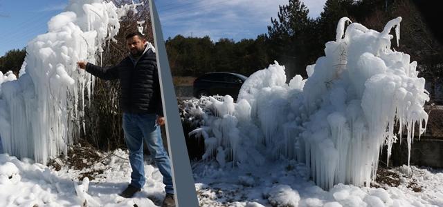 Patlayan Su Şebekesi Buz Kütlesi Oluşturdu