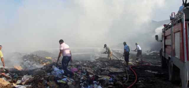 Şarköy'de Kağıt Deposundaki Yangın Korkuttu