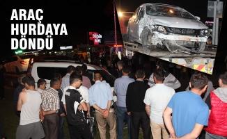 Otomobil İle Hafif Ticari Araç Çarpıştı; 3 Yaralı