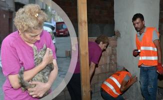 Havalandırma Boşluğunda Mahsur Kalan Kedi Kurtarıldı