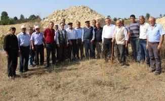 Milletvekili Zeybek; Bekdiğin'de Vatandaşların Sorunlarını Dinledi