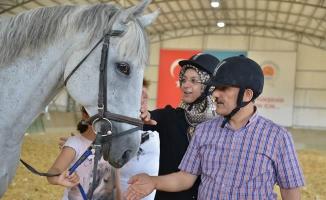 Vali Osman Kaymak'tan Atlı Spor Tesisleri'ne Ziyaret