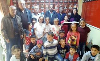 Doğanca İlkokulu Öğrencilerinden Şehit Aileleri Derneğine Ziyaret
