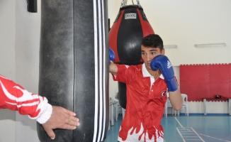 Genç milli boksörün hedefi Avrupa şampiyonluğu