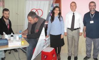 Bafra Mehmet Akif İlkokulu'nda Kan Bağışı