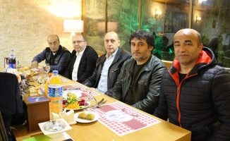 Bafra Veteranlar Futbolcuları Akşam Yemeğinde Buluştu
