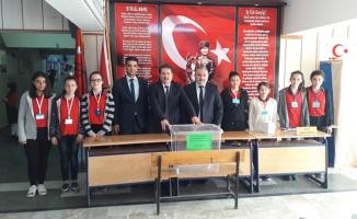 Nazmiye Demirel Ortaokulu'nda Seçim Heyecanı