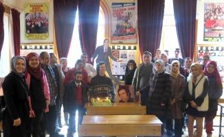 Öğrenciler, Kemal Sunal'ın doğum gününü kutladı
