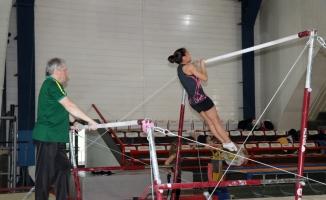 Cimnastikte takım çalışması madalya getirecek