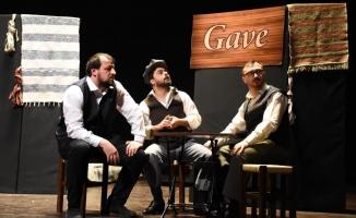 Avukatlar tiyatro sahnesinde