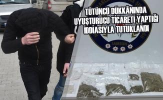 Tütüncü Dükkânında Uyuşturucu Ticareti Yaptığı İddiasıyla Tutuklandı
