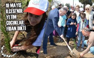 19 Mayıs İlçesi'nde Yetim Çocuklar Fidan Dikti