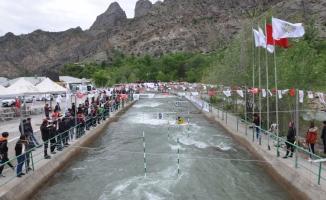 Kano: Akarsu Slalom Yusufeli Bahar Kupası