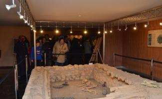 Çorum Müzesi'ni 2 saatte 2 bin kişi gezdi