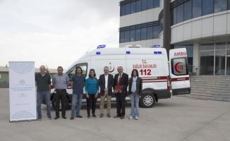 TANAP hibe ettiği ambulansları teslim ediyor