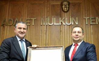 AK Parti Rize milletvekilleri mazbatalarını aldı
