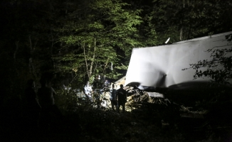 Kayıp kamyoncu devrilen araçta ölü bulundu