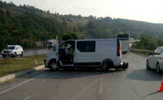 Samsun'da minibüs bariyere çarptı: 2 ölü, 9 yaralı