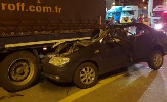 Giresun'da otomobil tıra çarptı: 1 ölü, 1 yaralı