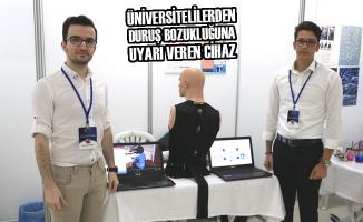 Üniversitelilerden Duruş Bozukluğuna Uyarı Veren Cihaz