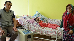 7 Yaşındaki Küçük Kız Yatağa Bağımlı Yaşıyor