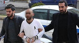 Cami Avlusunda Tüfekle Vurularak Öldürüldü