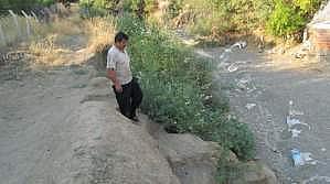 Edremit'te Dere Kenarında Köprü Çilesi
